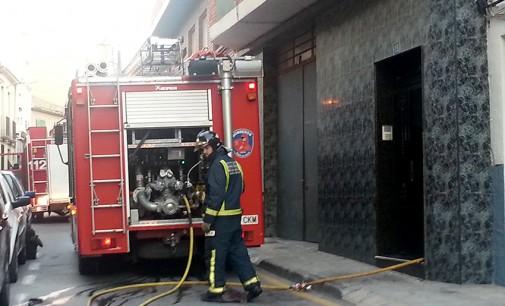 Desalojan un edificio de la calle Carmen por un incendio en una vivienda