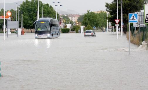 Se anuncia un estudio para paliar las inundaciones en la carretera de Villena