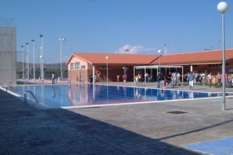 Abre sus puertas el centro recreativo de los rosales for Gimnasio yecla