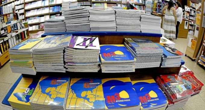 CONSUMUR recuerda que los colegios no pueden imponer dónde comprar los libros de texto o el uniforme