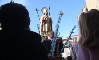 Yecla celebra a San Blas entre panes benditos y pajaricas
