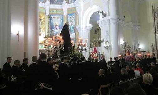La lluvia obliga a suspender la procesión del Rosario