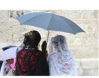 La lluvia empaña el primer fin de semana de las Fiestas de San Isidro