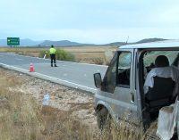 Tres heridos tras salirse de la calzada un furgoneta con trabajadores del campo