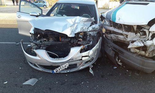 Dos heridos tras un accidente en la carretera de Yecla a Caudete