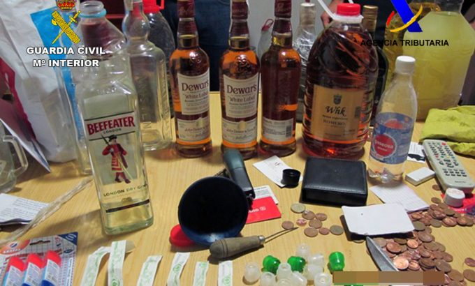 Los agentes encontraron el alcohol en una tienda de alimentación de yecla.