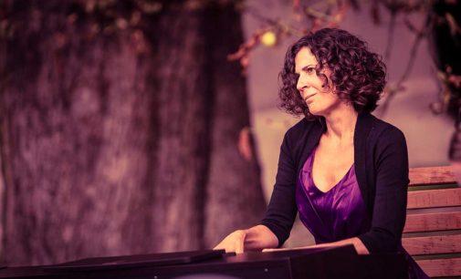 La pianista yeclana Conchi Muna actúa en la Escuela de Música