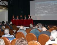 Centenares de vecinos acuden a la primera charla informativa del nuevo Plan General