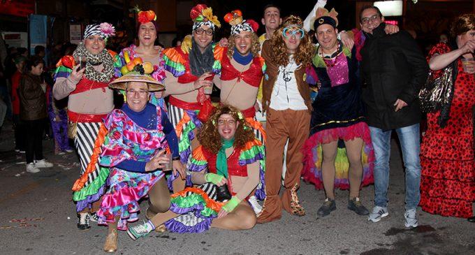 Galería de fotografías de los dos desfiles de Carnaval