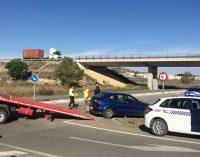 Un herido tras el choque de dos turismos en la carretera de Pinoso