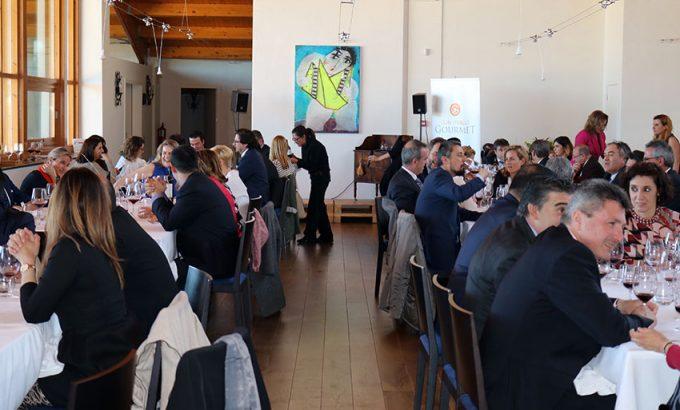 Unas 60 personas participaron en la comida después de la entrega del premio.