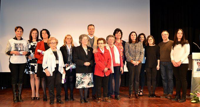 """Reconocimiento al trabajo de mujeres """"luchadoras y pioneras"""""""