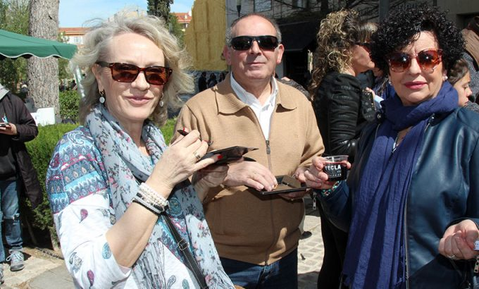 La geste disfruto del vino y la tapa que ofrecieron la Ruta del Vino de Yecla