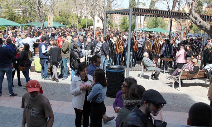 Numerosas personas participaron en la fiesta de clausura de la ruta.
