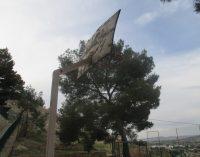 IU-Verdes denuncia el abandono de las pistas de baloncesto de la calle Rampa