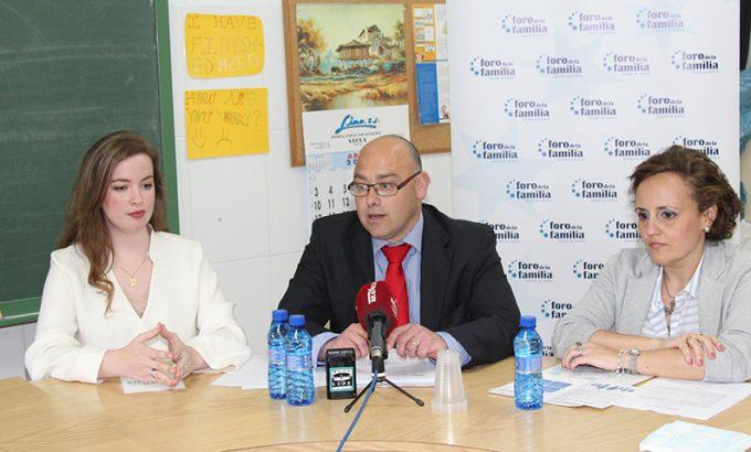 Elena Puche, Alfonso Galdón y Magdalena Martínez.