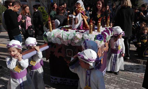 """La procesión de """"Las siete palabras"""" abre la Semana Santa de Yecla"""