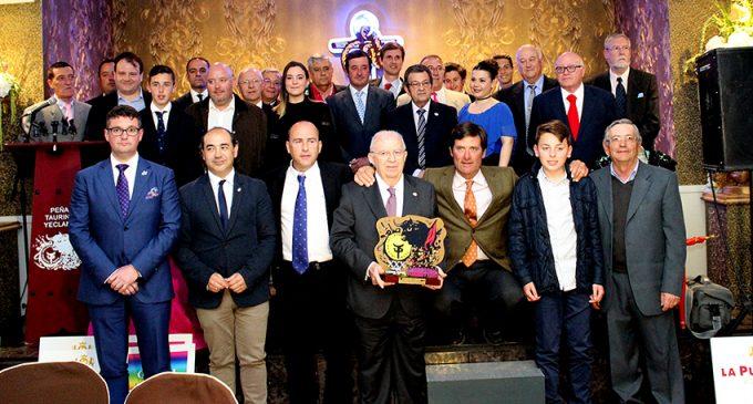 La Peña Taurina premia a los mejores del año: López Simón yla ganadería Julio de la Torre