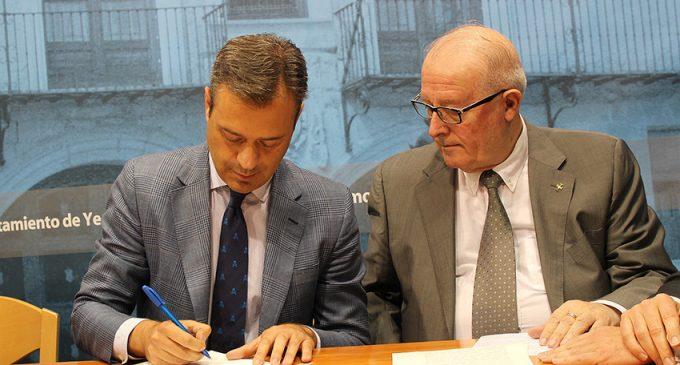 El Ayuntamiento firma la compra del edificio de Cazadores