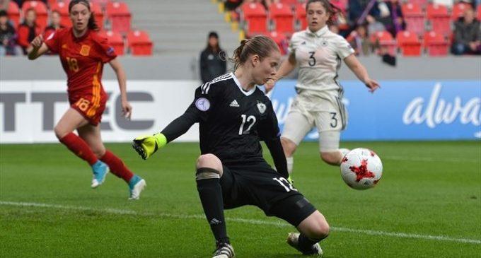 Los penaltis vuelven a dejar sin oro a Eva Navarro