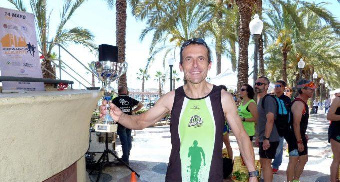 Francisco Antonio Martínez brilló en la media maratón de Alicante