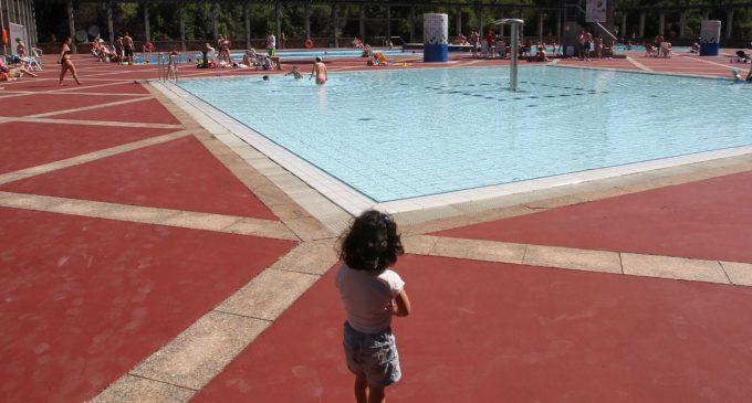 Las piscinas, la diversión con riesgos para los menores