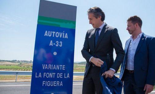 """De la Serna: """"El tramo entre Yecla y Caudete se licitará en unos meses"""""""