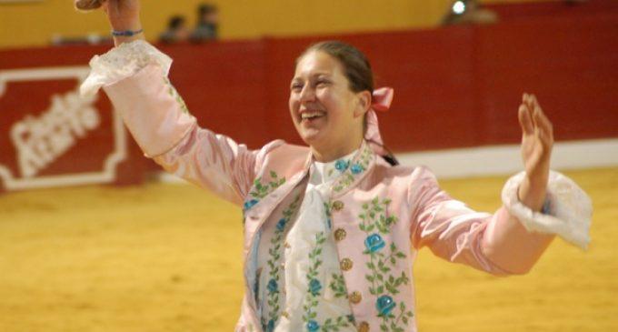 Una rejoneadora acompañará a Morenito de Aranda y Daniel Luque en la corrida de Yecla