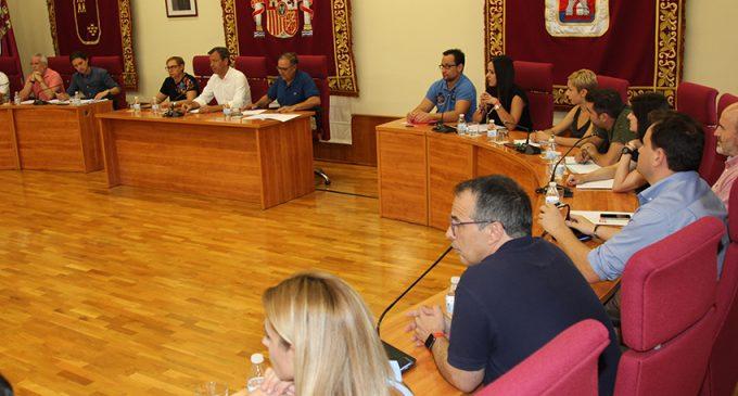 Cs y PSOE impulsan una moción para la reprobación de la edil de Turismo en el Pleno