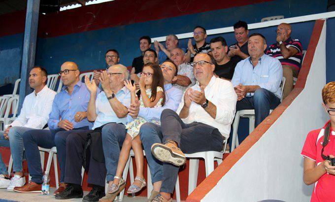 Paco Vallejo, directivos de la Sociedad, autoridades y responsables del Yeclano Deportivo.