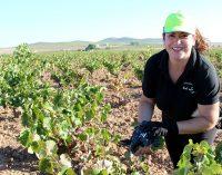 Adela Bernabéu, la primera agricultora que preside un sindicato agrario