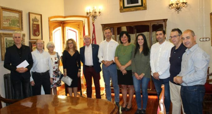 El grupo de teatro de Vinaroz entrega 4.360 euros a Cáritas