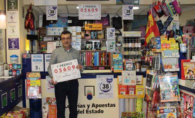 Joaquín Rubio Ivars, es el gerente de la librería El Niño.