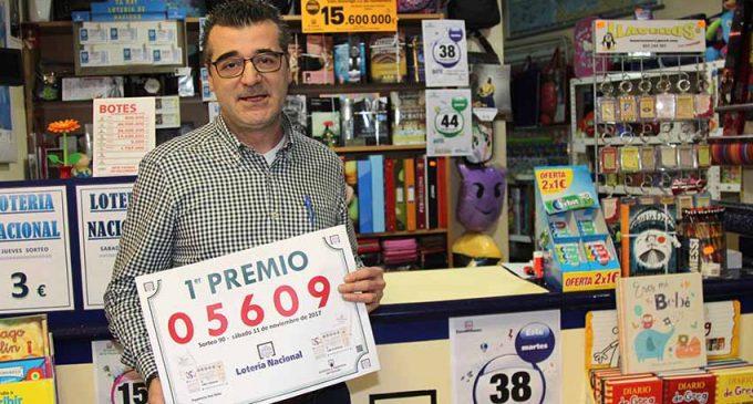 La librería del Niño reparte parte del primer premio de la Lotería Nacional