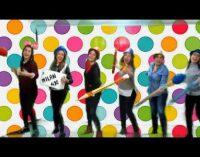 El colegio La Paz celebra el día escolar de la no violencia con un vídeo
