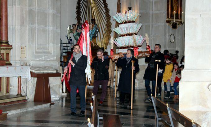 La procesión se realizó en el interior del templo.